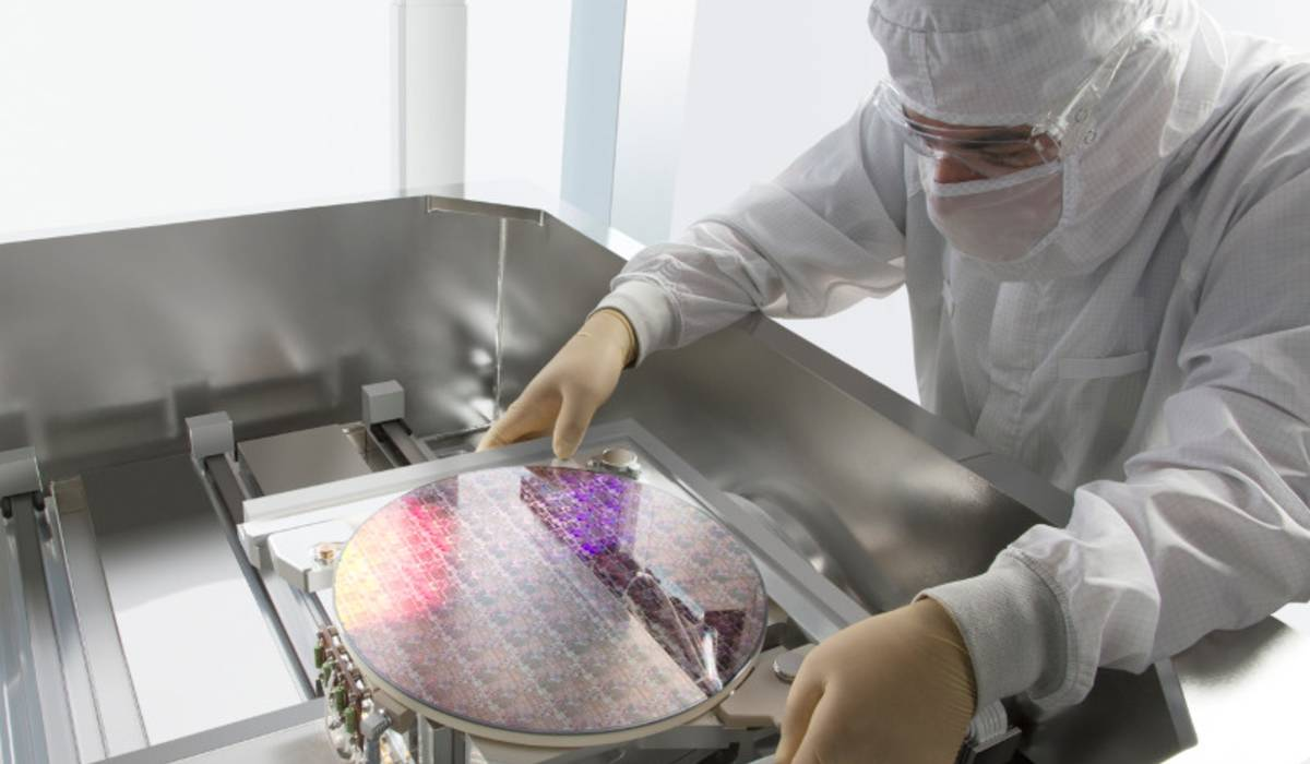 New Methods of Defect Inspection and Review Improve Yield of Advanced Chips