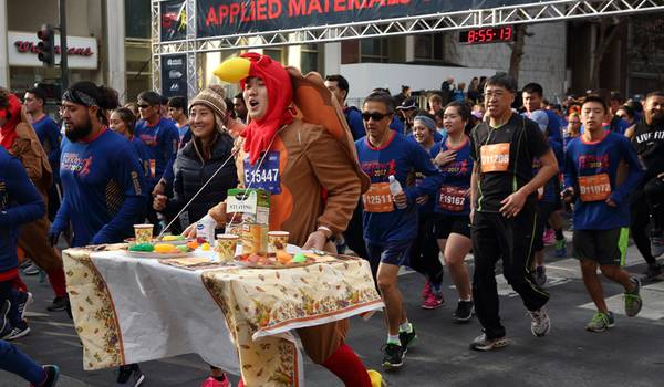 Biggest Turkey Trot Races into Town on Hottest Day in Event History